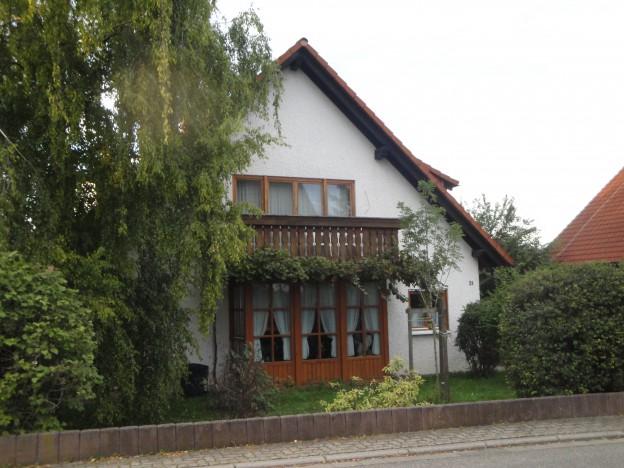 Haus_außen_vorne_1